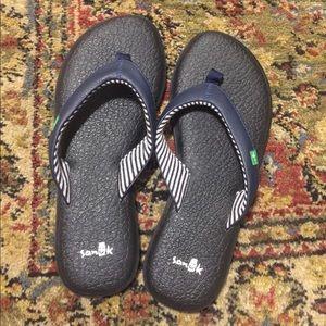 Sanuk yoga sandal thong slides size 7